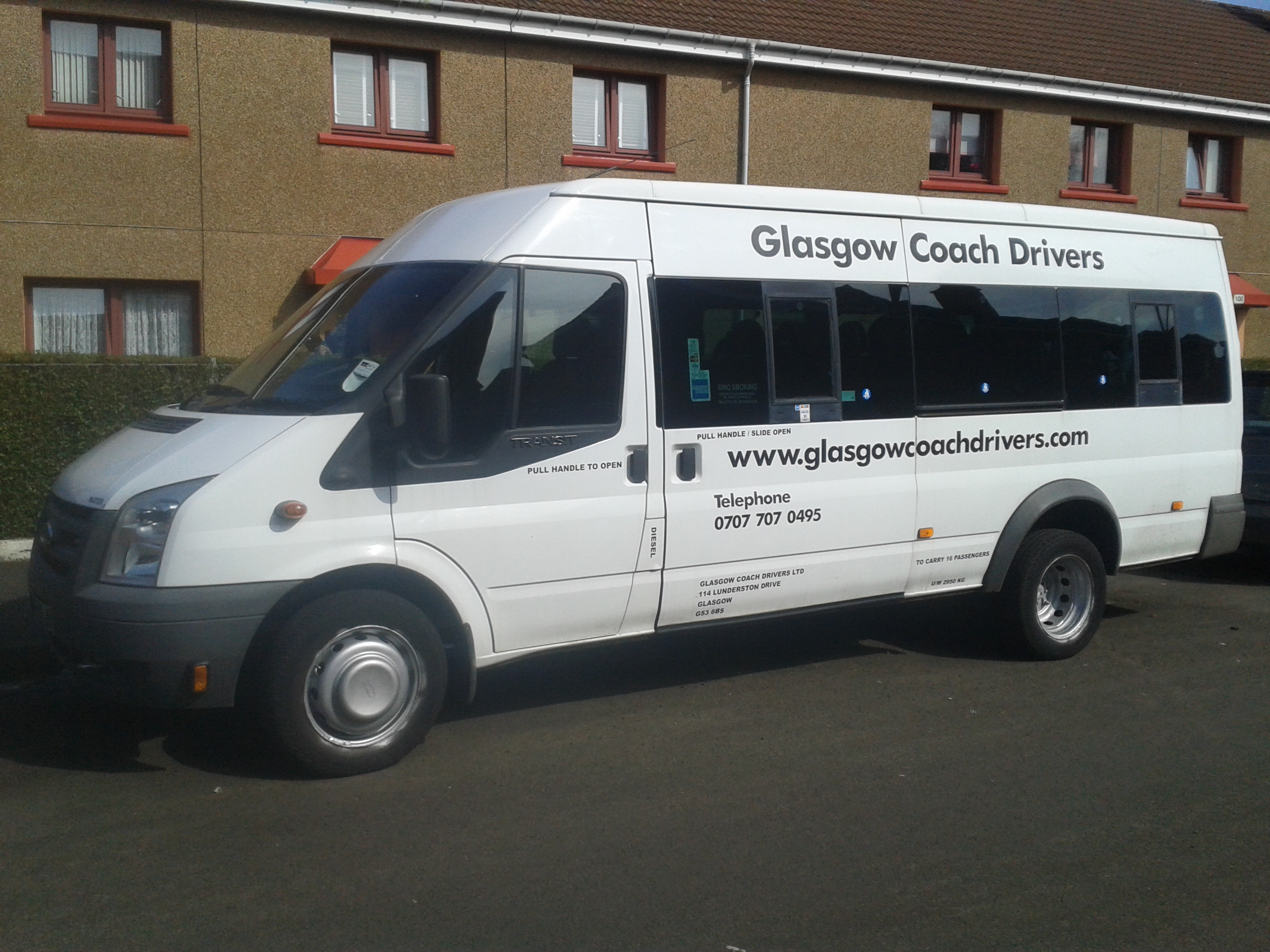 Glasgow Private TAXI 8 seaters